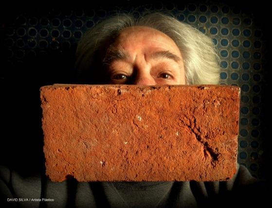 Descripción: D:\Mis documentos\Cubrebocas\Modelo Estilo Pink Floyd another brick on the mouth TB CV19.jpg