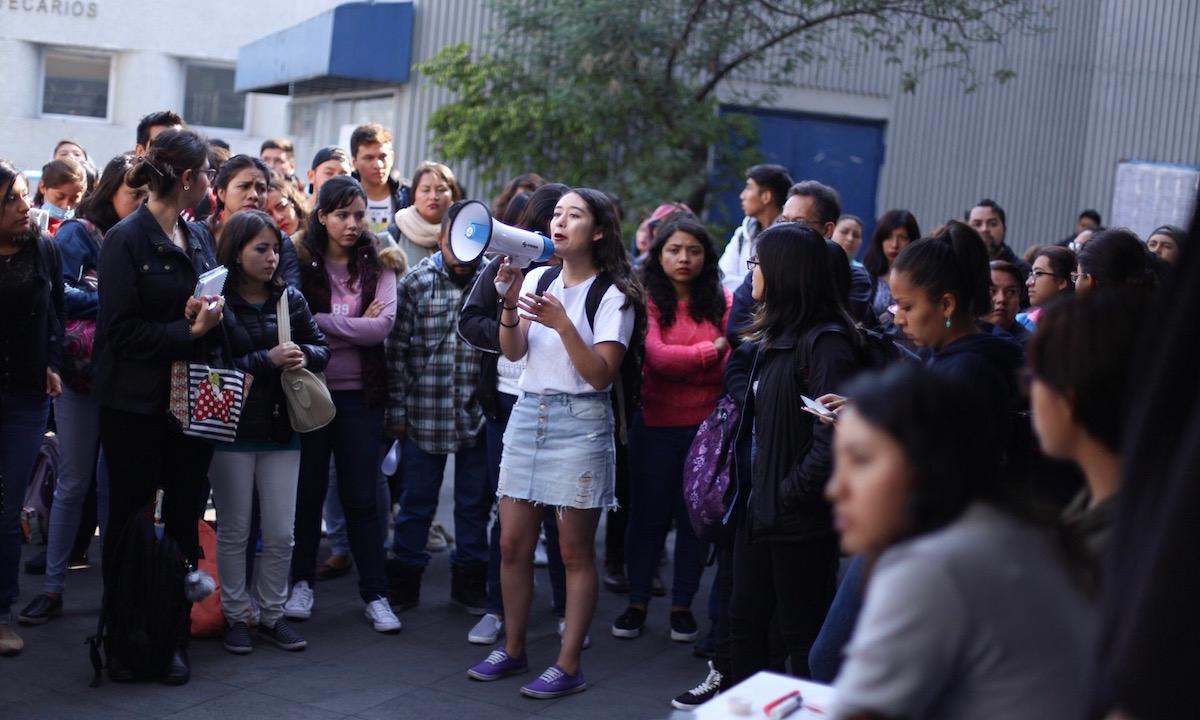 La mitad de las mujeres mayores de 18 años se siente insegura en la escuela