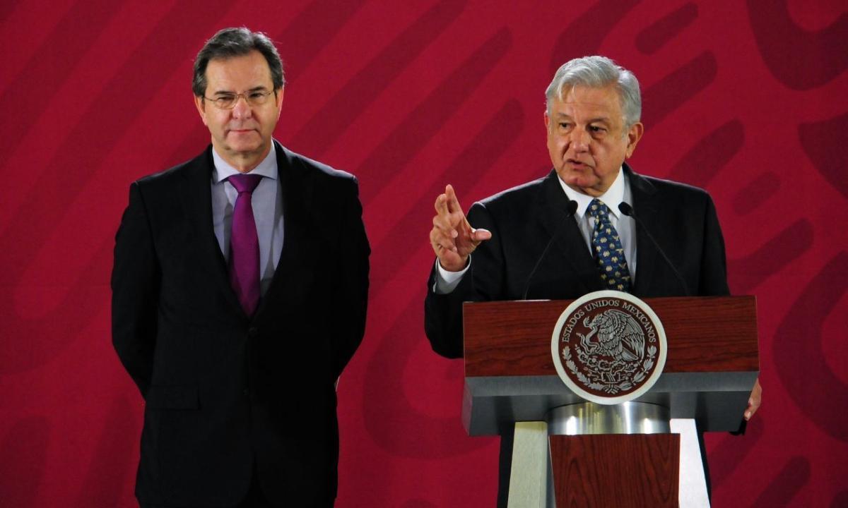 AMLO y Esteban Moctezuma.