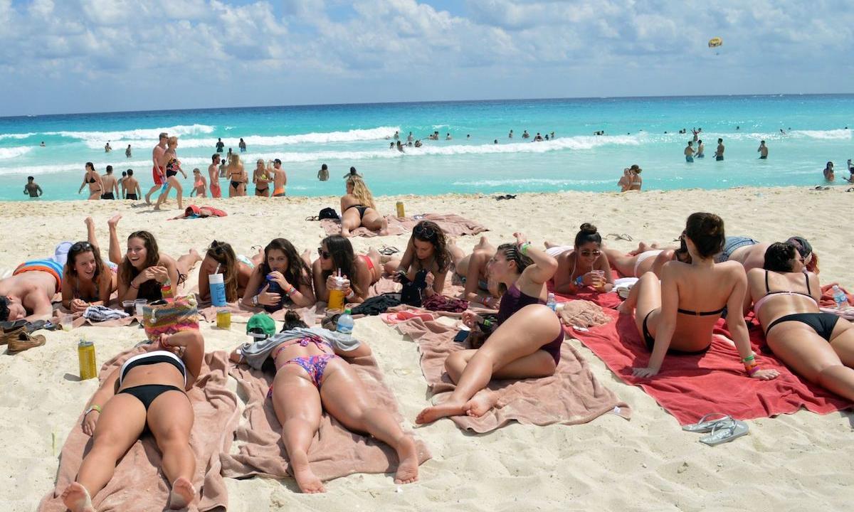 ¿No que no? Aumentan turistas internacionales en el primer año de AMLO