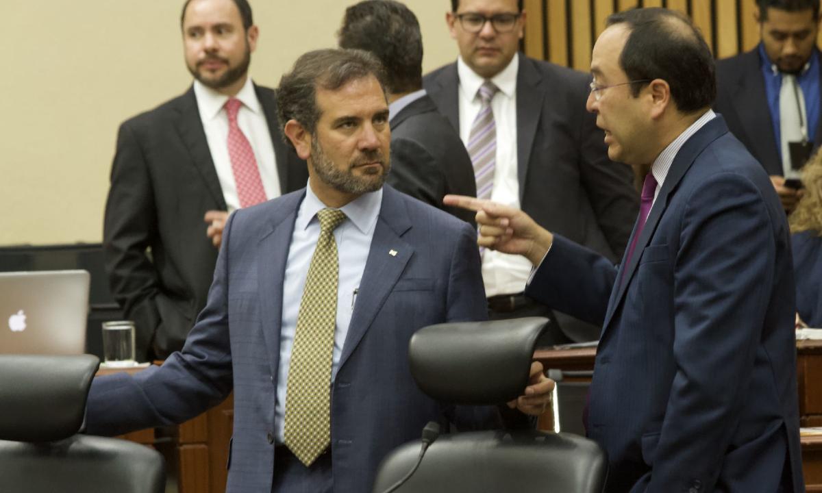 Las manos de Morena en la elección de consejeros del INE
