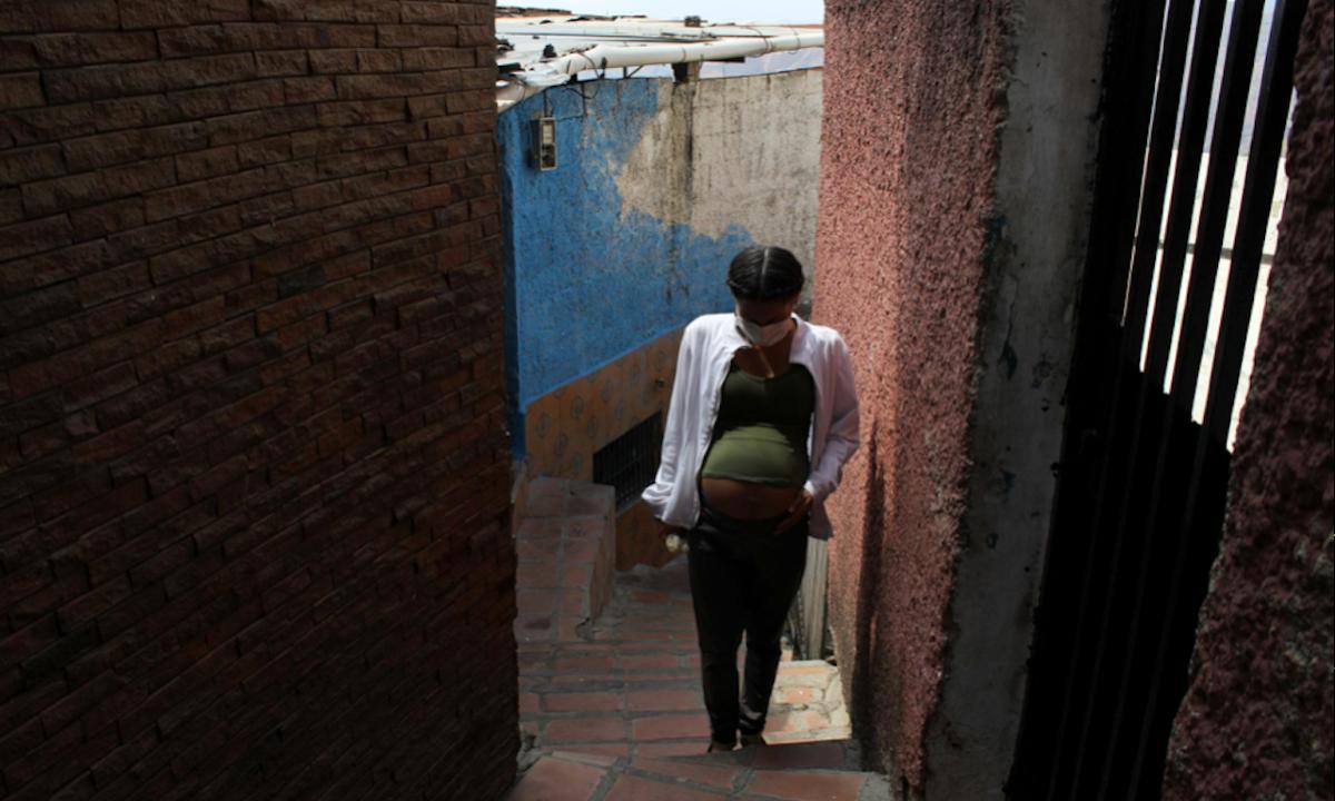 Mujeres de América Latina 'bajo presión' para aceptar cesáreas durante la pandemia