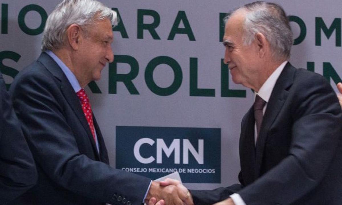 El extraño retorno de Alfonso Romo acalla voces en el gabinete