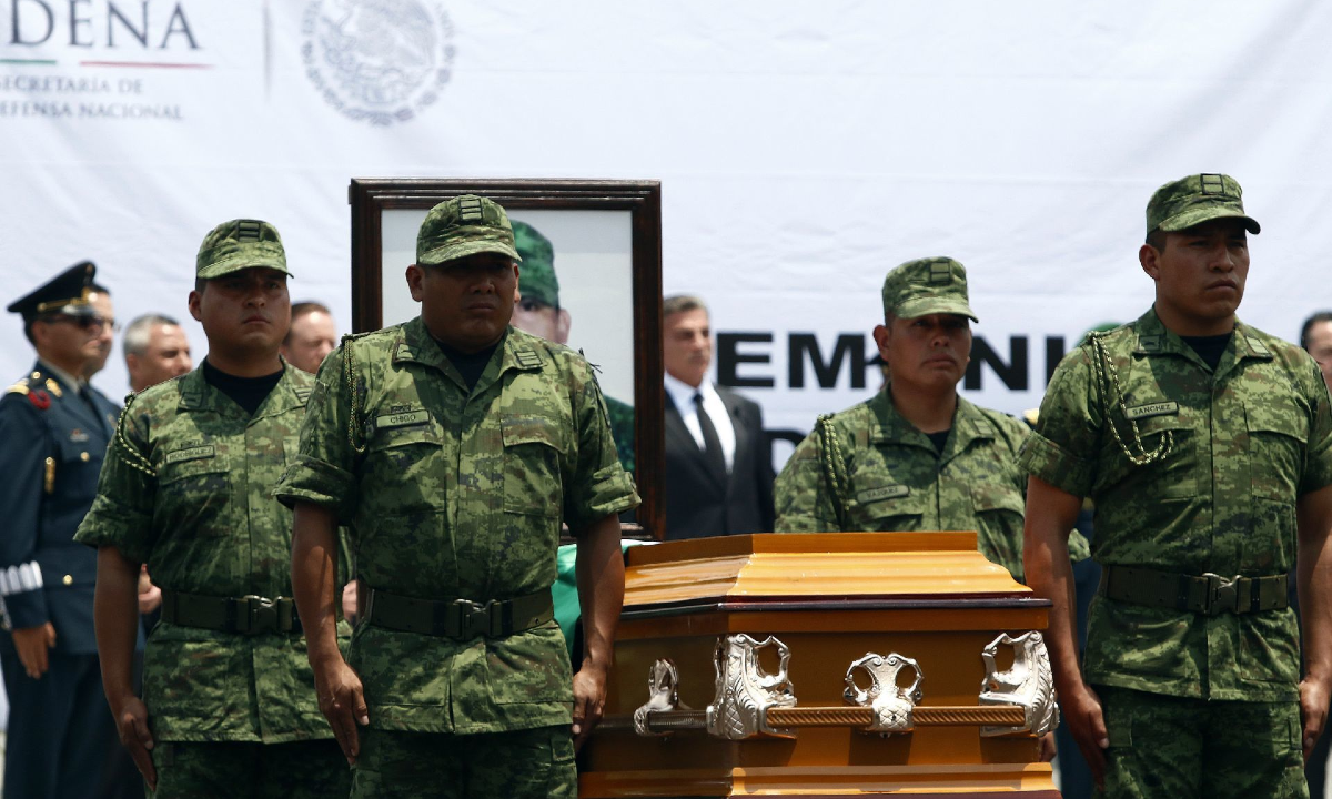 Héroes de guerra: Sedena de Peña Nieto borró ejecuciones extrajudiciales