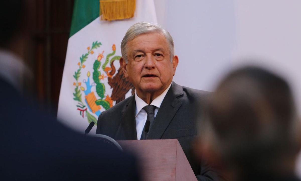 """Gobierno de AMLO otorga contratos millonarios a 18 """"empresas fantasma"""""""