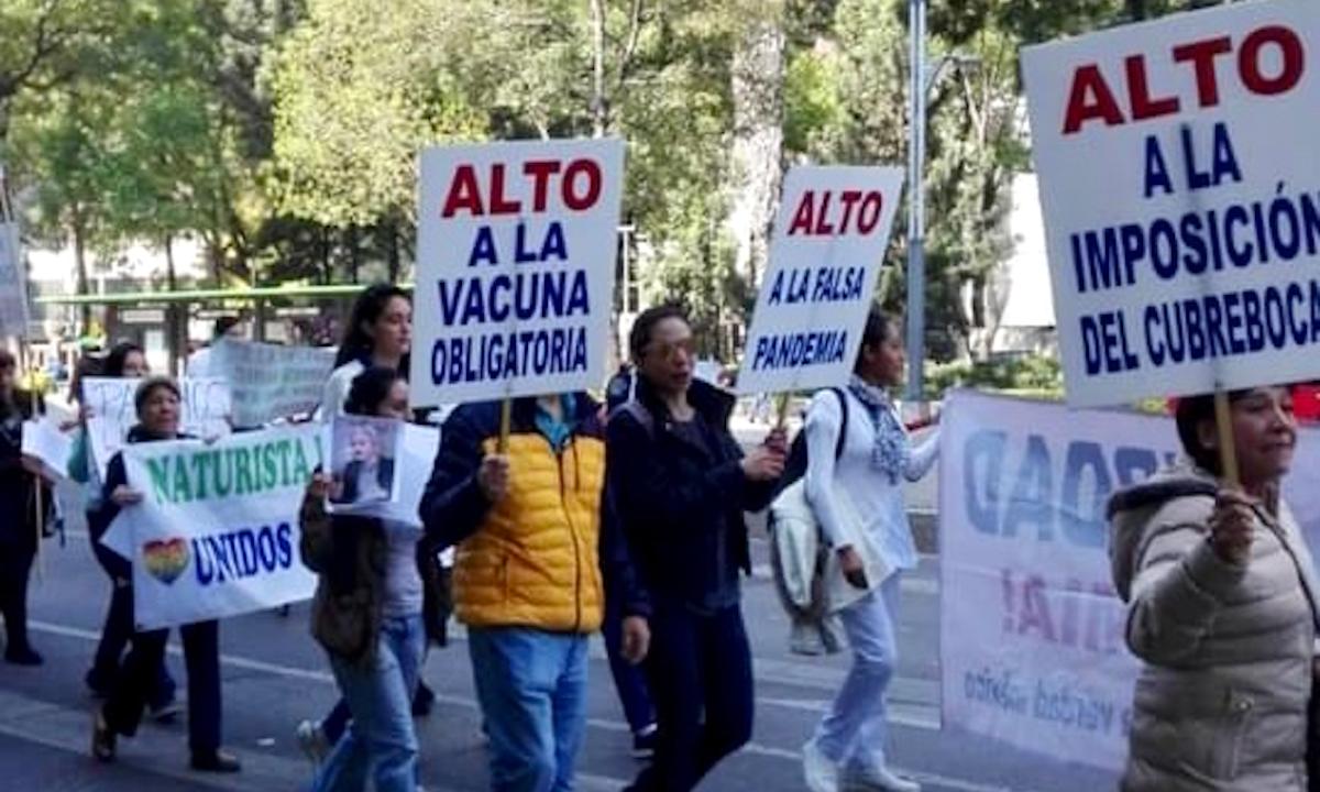 personas en contra de las vacunas en México