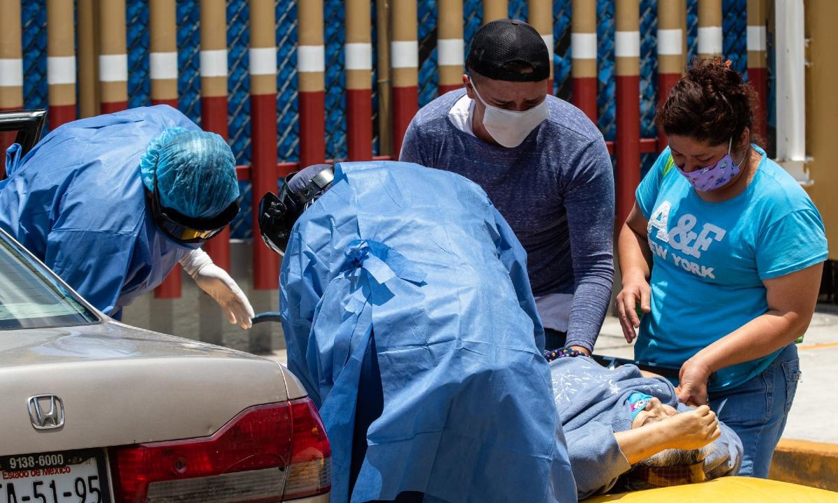 Certificados de defunción en CDMX contradicen aparición de primera muerte por Covid