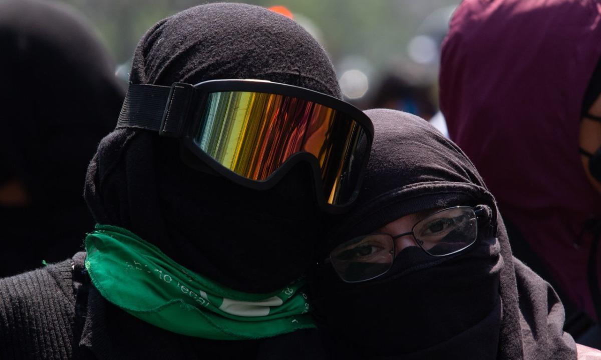 AMLO es el atizador del movimiento feminista en México: Laura Castellanos